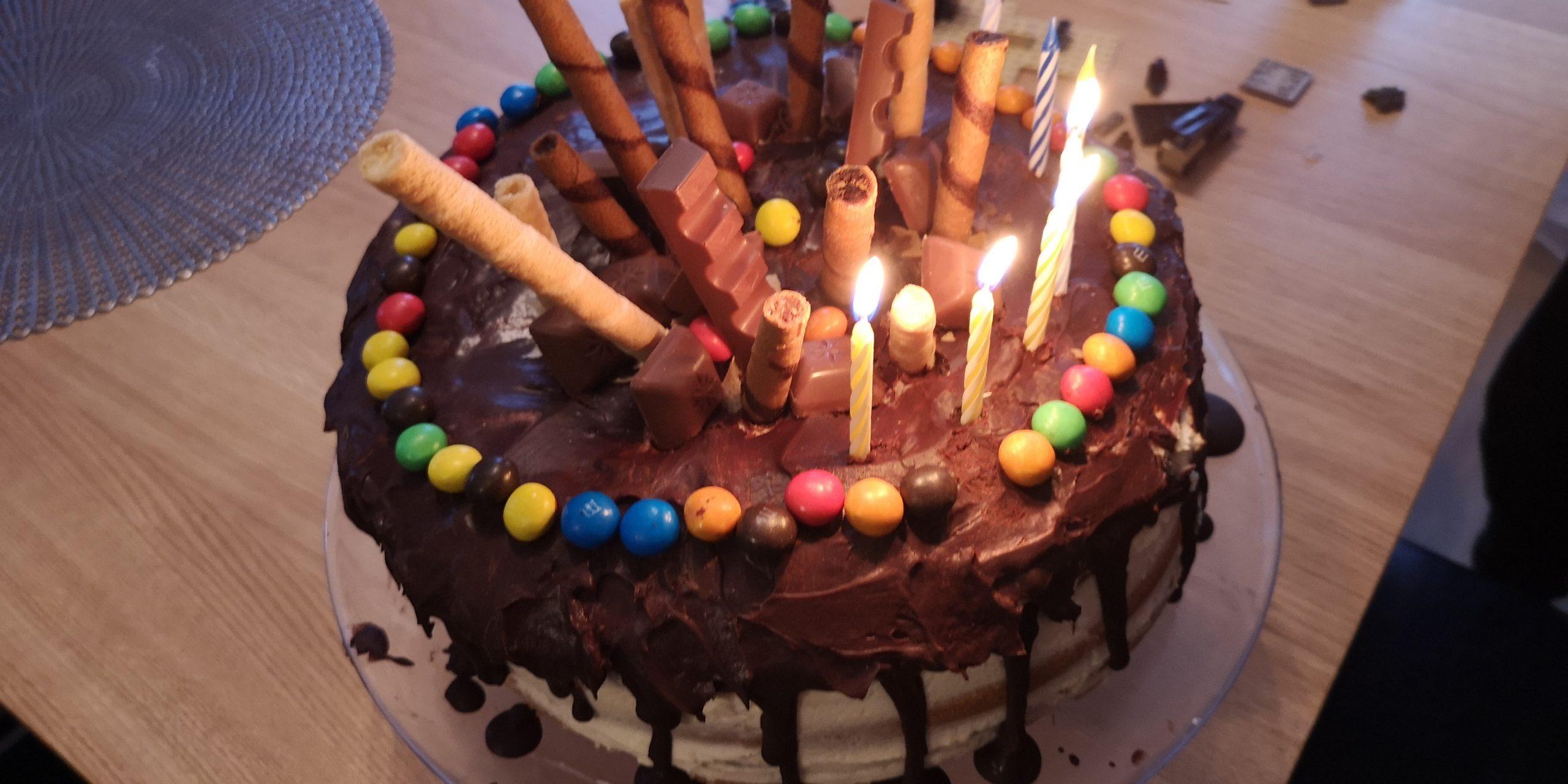 M & Ms cake